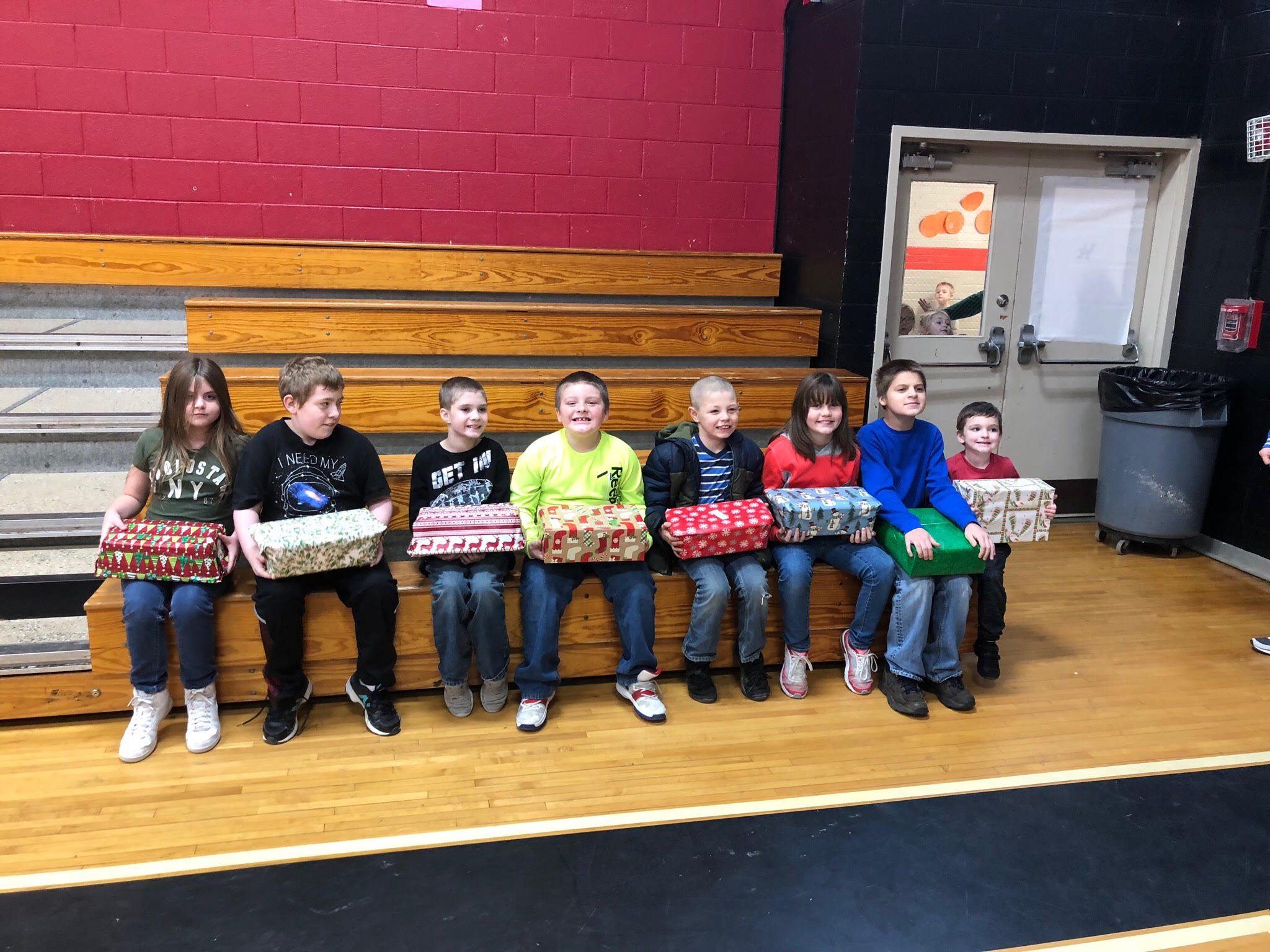 Girdler students receive an early Christmas gift – kcps.news